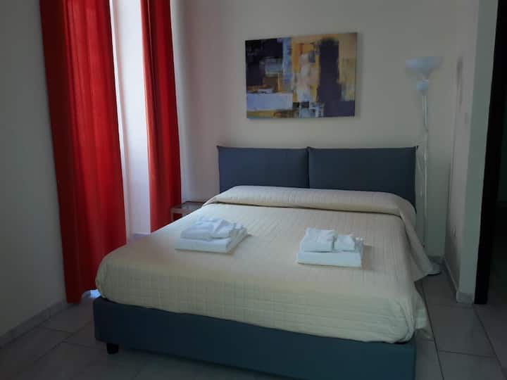 Comfortable B&B two rooms city center for 5 people