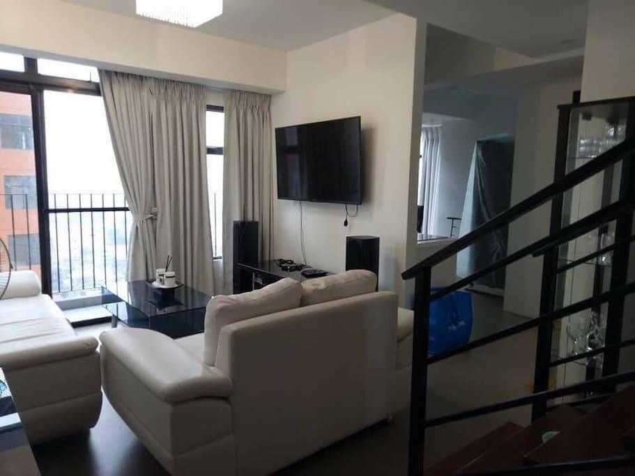 Elegant luxury penthouse in cubao quezon city lofts for for Terrace 45 quezon city
