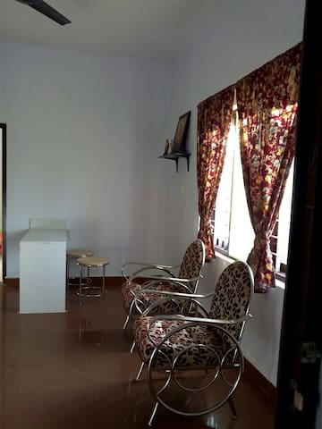 Upper Unit 2 beds and 2 baths- Manganam, Kottayam
