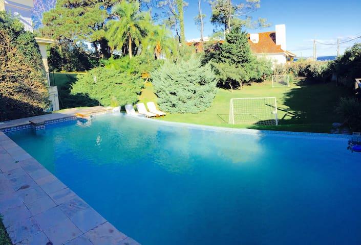 PUNTA DEL ESTE, URUGUAY, CASA, MAR