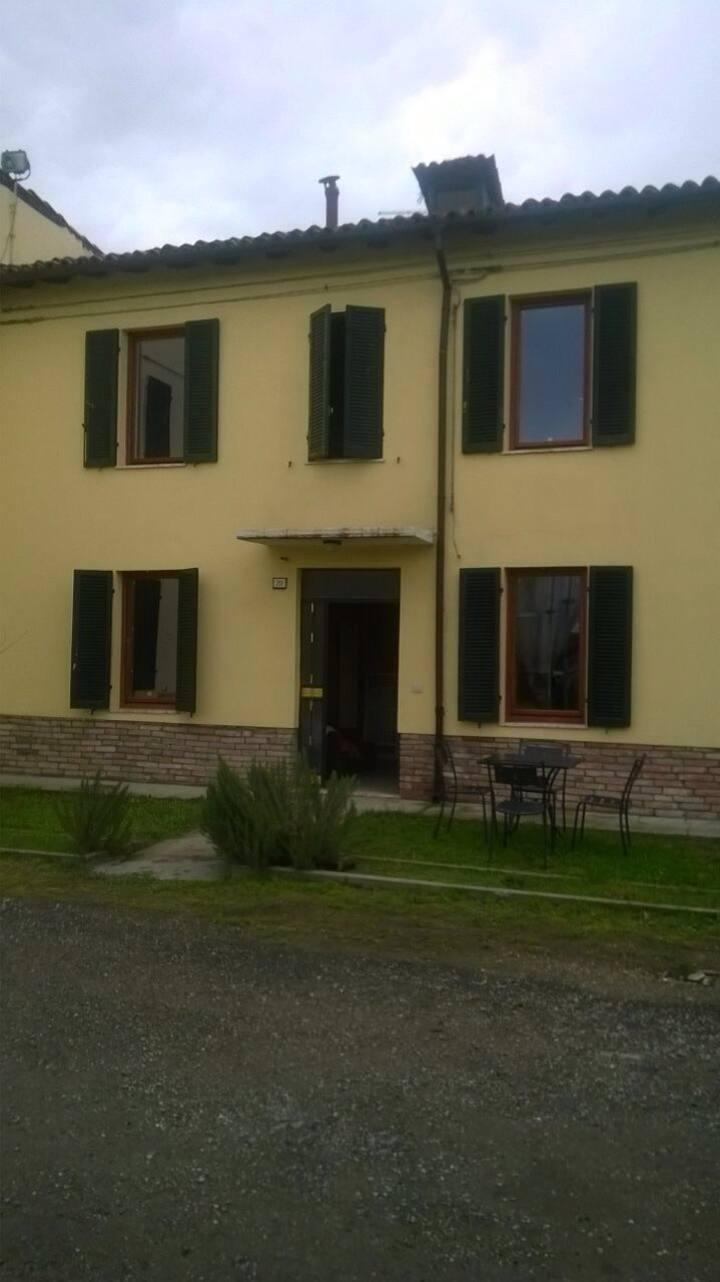 Stanza doppia a soli 8 km da Parma