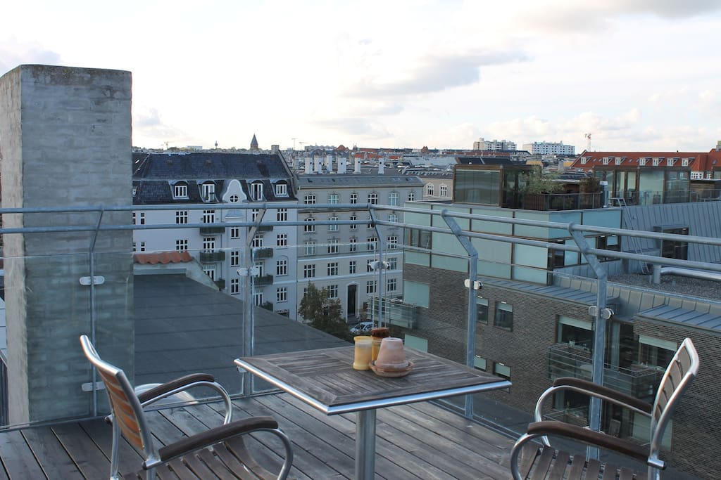 Central apartment rooftop terrace apartments for rent for Danish terrace