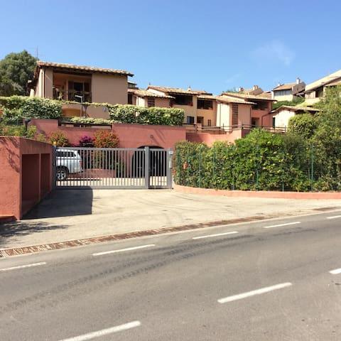 Appartamento in residence + piscina - Capalbio - Byt