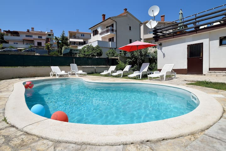 Charming  apartment with pool - Pula - Appartement