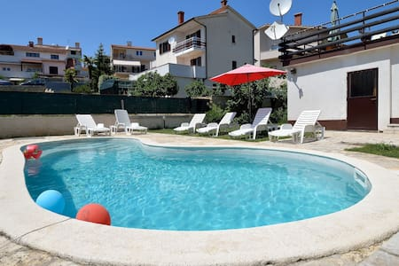 Charming  apartment with pool - Pula - Apartament