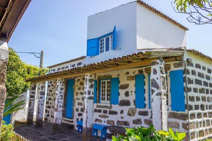 Casa Santa - Quinta Rústica - AL995 - Rabo de Peixe - Villa