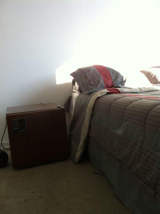 Frigobar en el dormitorio