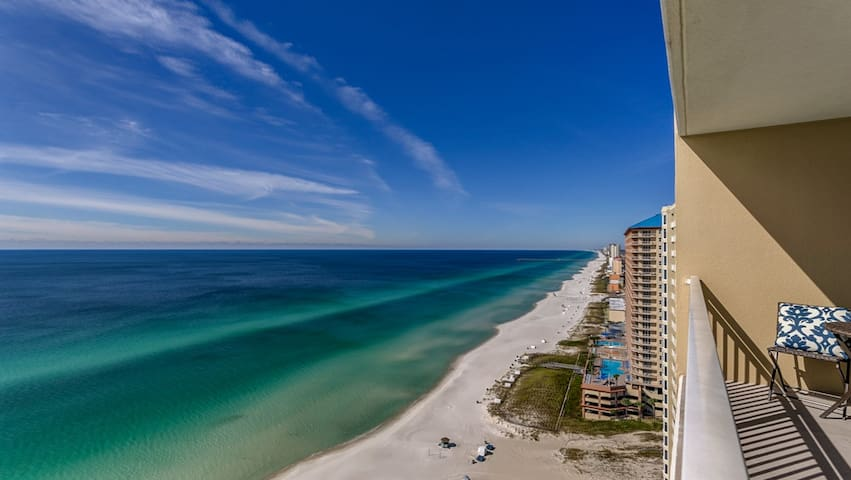 Experience Fall at the Beach! Gulf Front Beauty!