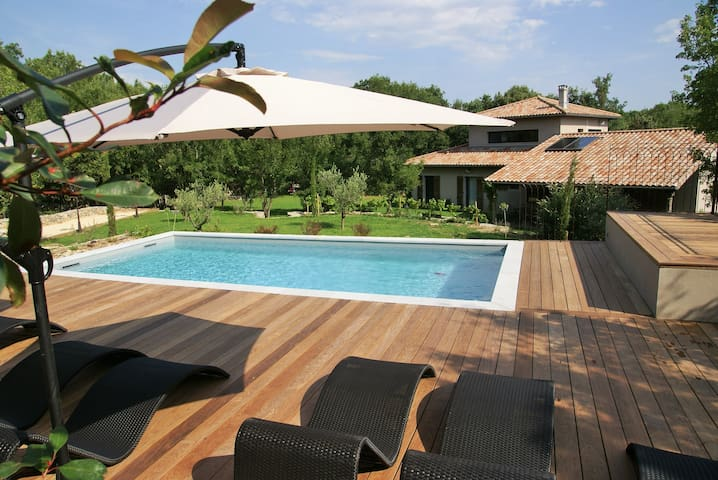 Maison de luxe avec piscine et jardin magnifique