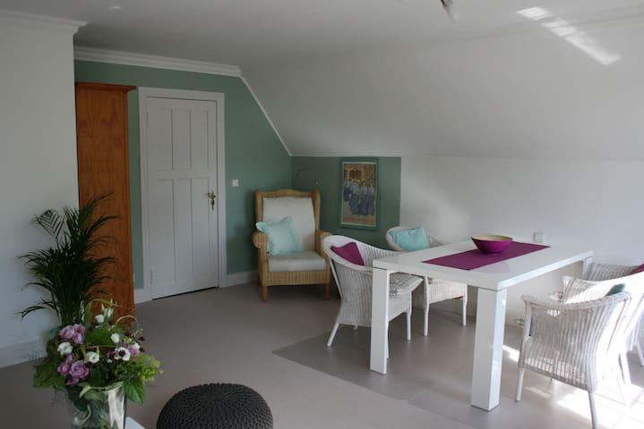 """Kalvill""  Landhaus am Apfelgarten - Eyendorf/Salzhausen - Apartamento"