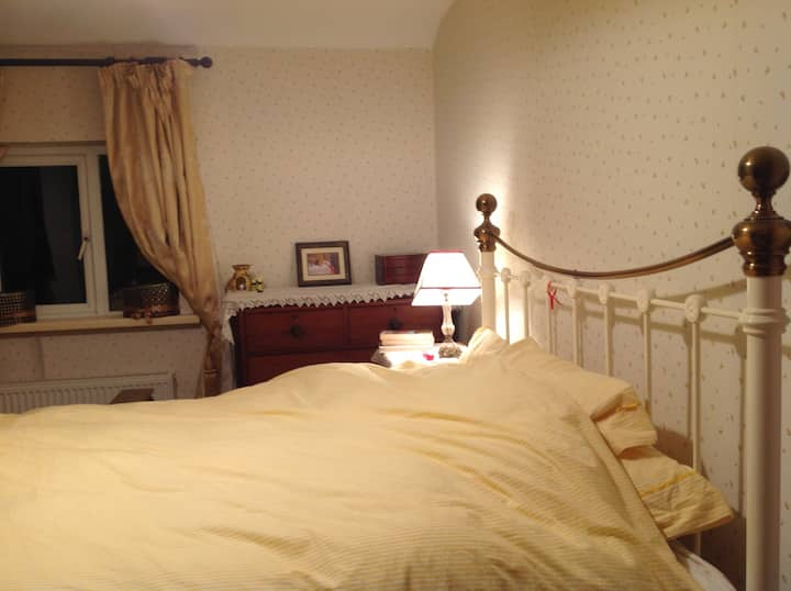 Double Room in lovely, cosy and central townhouse