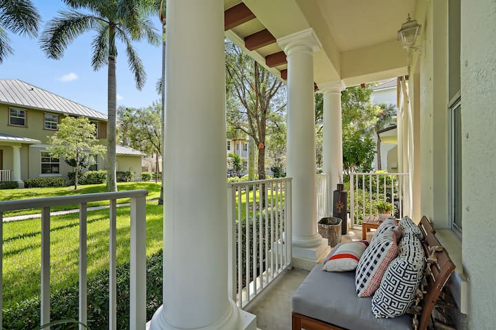 Jupiter Townhouse | perfect for you holiday visit.