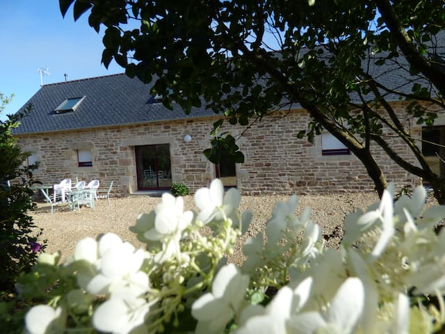 longere location saisonniere - Tourch - House