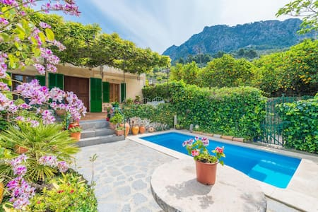 CAS PATRO LAU BIS - Villa with private pool in Biniaraix (Fornalutx).