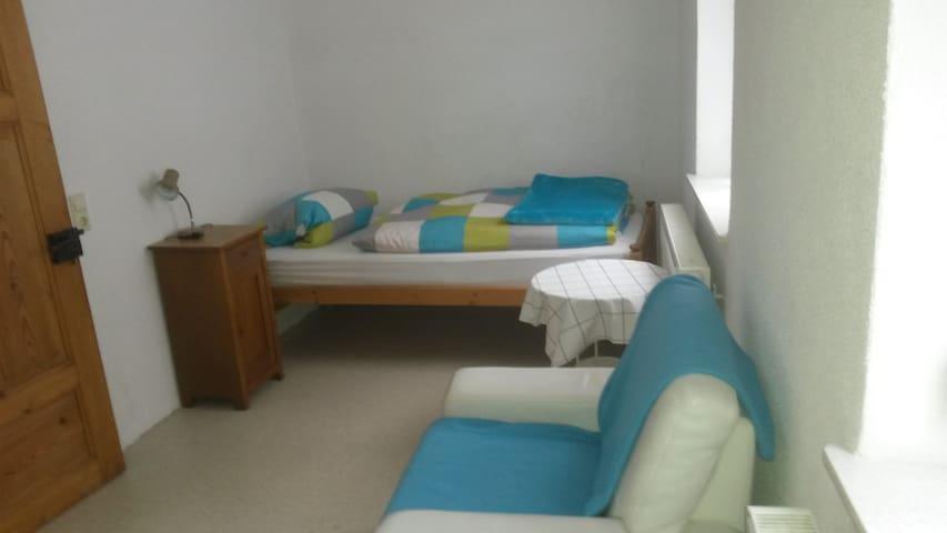 kleines einfaches Appartment - Kulmbach - Wohnung