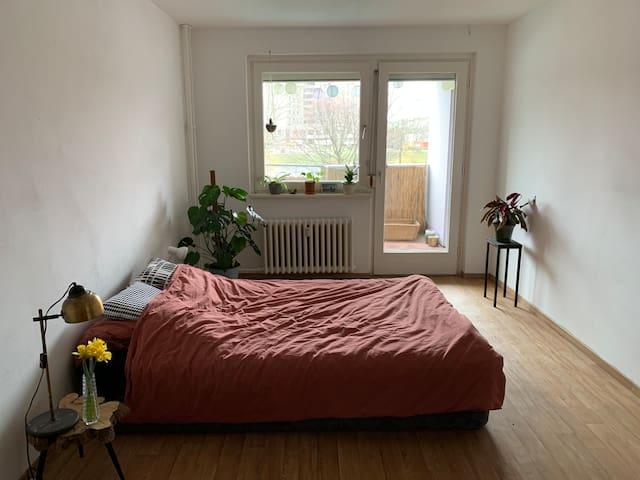 Tolles Zimmer mit Balkon in Kreuzberg am Wasser