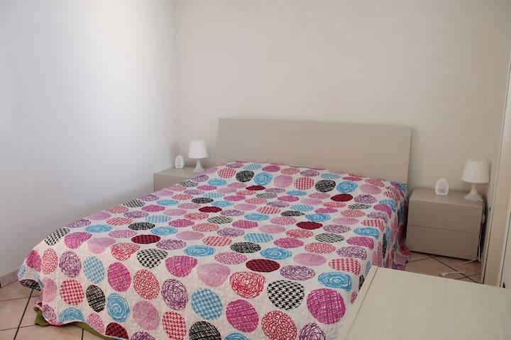 Second double bedroom / Seconda camera matrimoniale