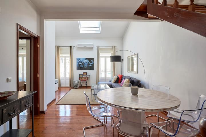 Great flat with wonderful terrace and view
