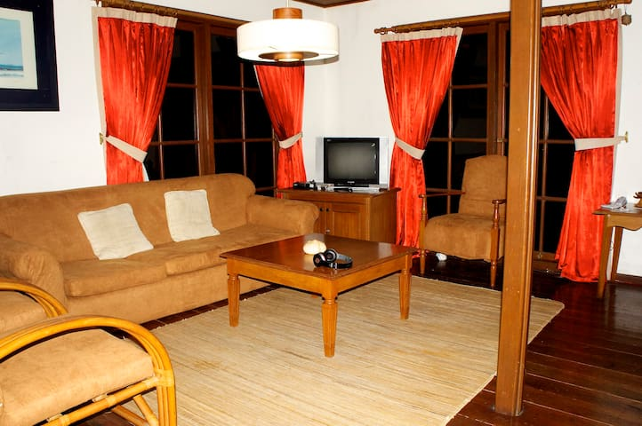 Villa Cottage 3 rooms - Cisolok - Casa de campo