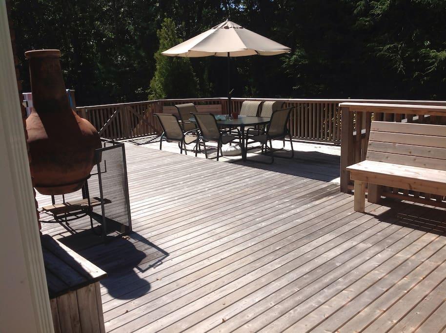 Large Deck Area overlooking Pool