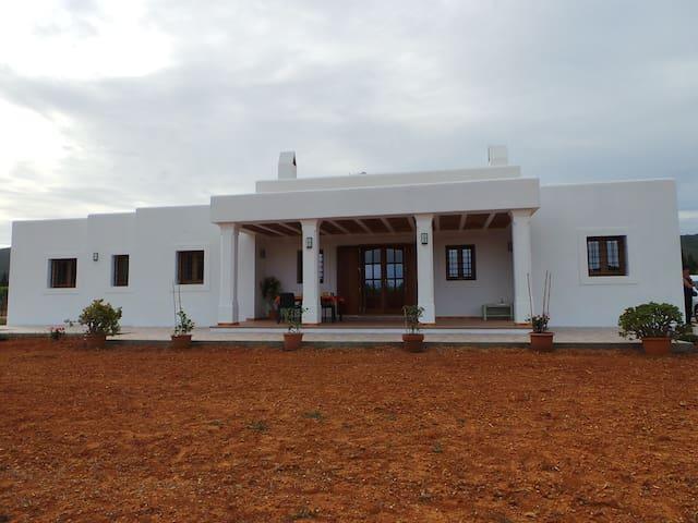 Casa de campo en zona tranquila del Norte de Ibiza - Sant Carles de Peralta - Dům
