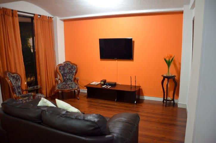 Apartment in a family building - Santiago de Cali
