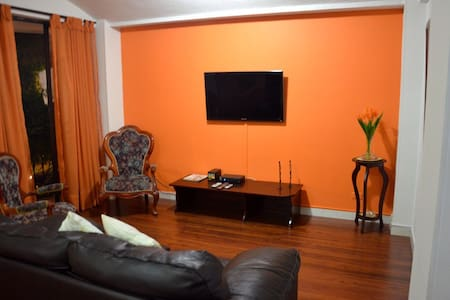 Apartment in a family building - Santiago de Cali - Apartment