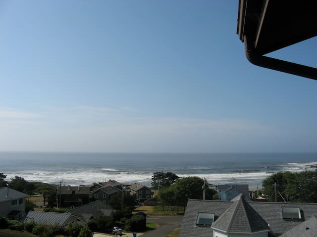 Sea It All! Mid-Cent Mod Ocean View - Yachats