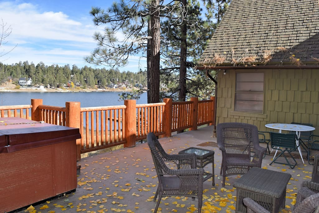 Boulder bay cove lakefront hottub cabins for rent in for Cabin for rent in big bear ca