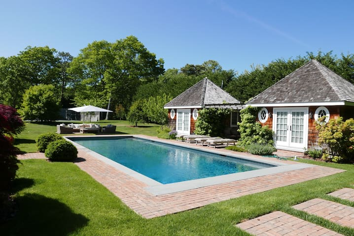 Immaculate designer family compound - Quogue - Haus