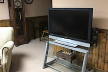 Flat screen TV with basic cable.