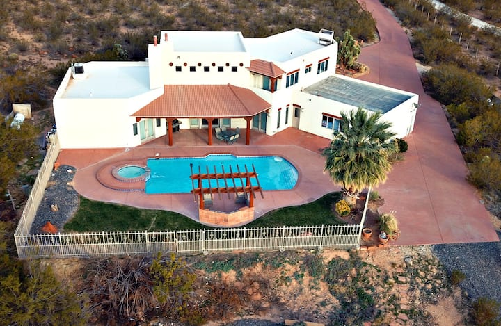 Private Pool, Sleeps 18, Near Zions & Sand Hollow