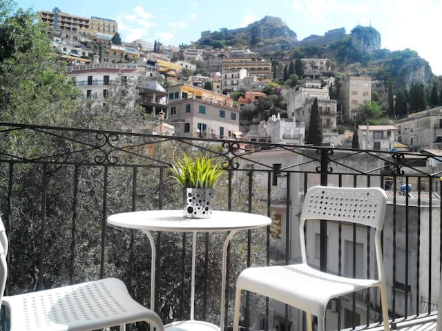 Taormina Castle view -wifi.