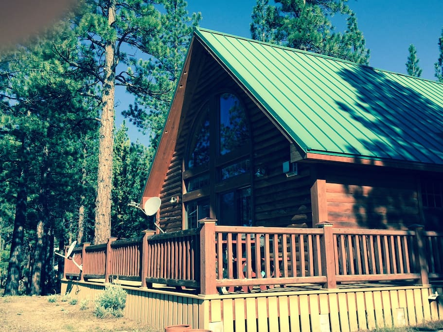Beautiful log home perfectly set in the forest