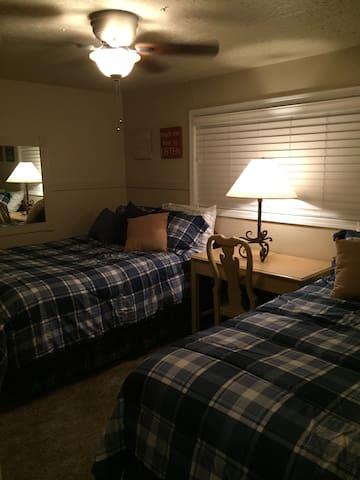 Double Queen Beds-ceiling fan, desk