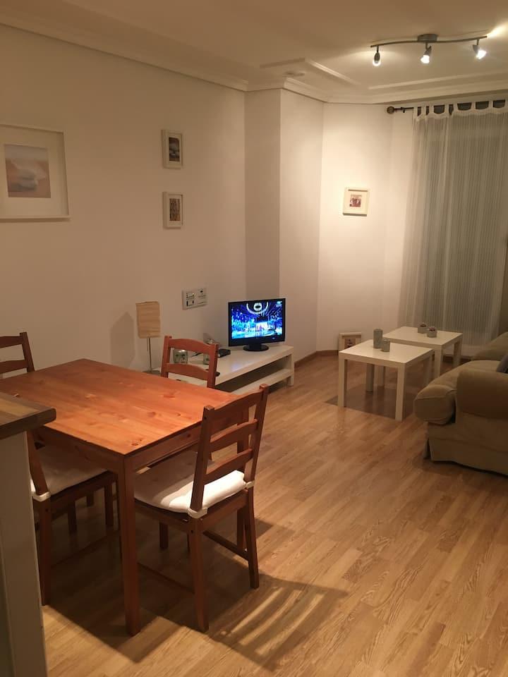 Piso 2 dormitorios nuevo, muy bien decorado  wifi