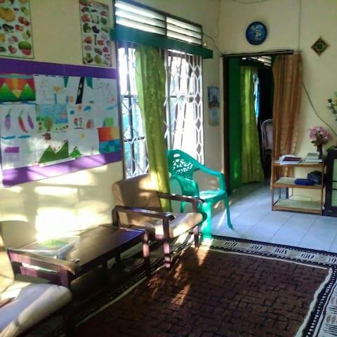 Mahda House Guest International - North Balikpapan - Huis
