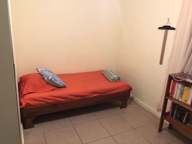 Habitación en San José / Room in San Jose