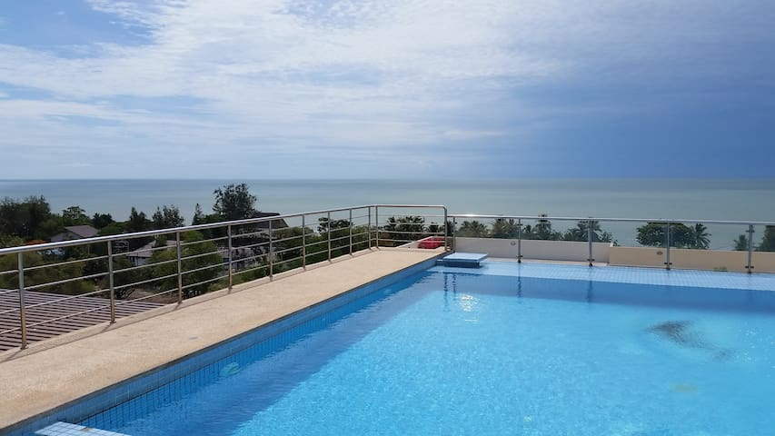 Luxury Apartment top floor Sea Views Huahin/Cha-am