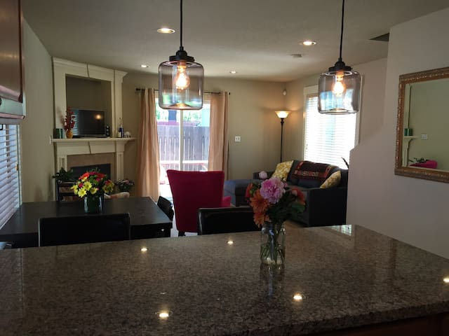 Clean bright and modern in St Johns