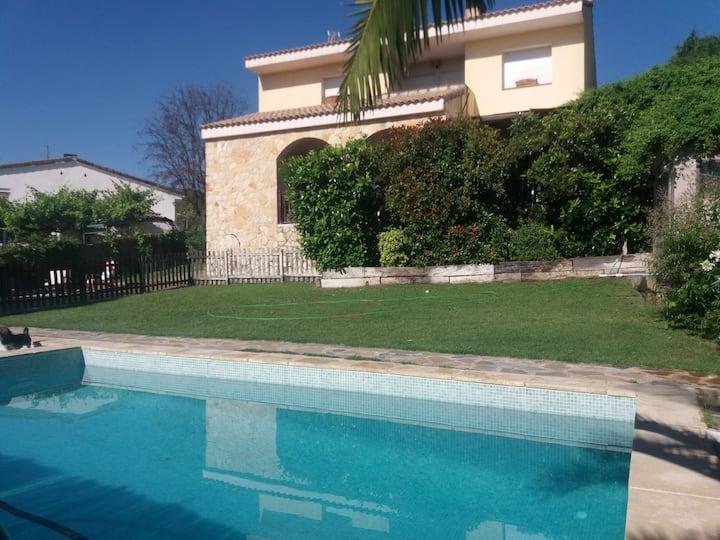 Habitación Privada en villa compartida CoolVillaS