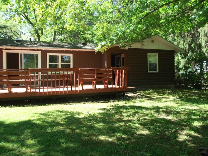 Corner Cabin on Geneva Lake/Pet Friendly