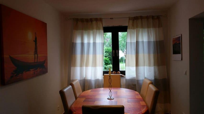 FeWo 1, miete in Leimen, in eine sehr gute Lage - Leimen - Apartamento