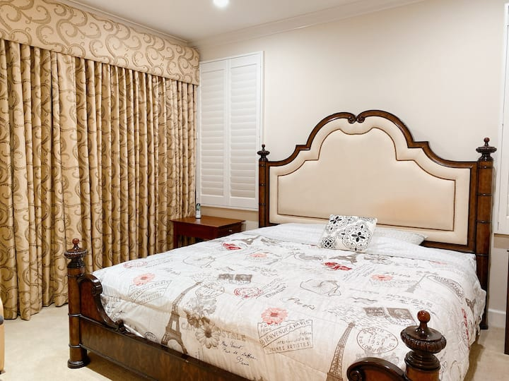 Nice luxurious room TV with private bathroom