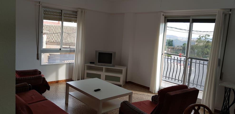 Apartamento muy espacioso con gran balcón. Casinos