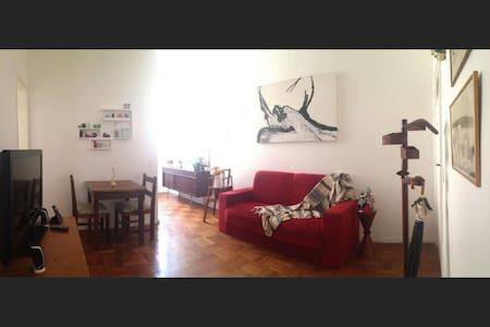 Qt casal (room for 2) em Copacabana