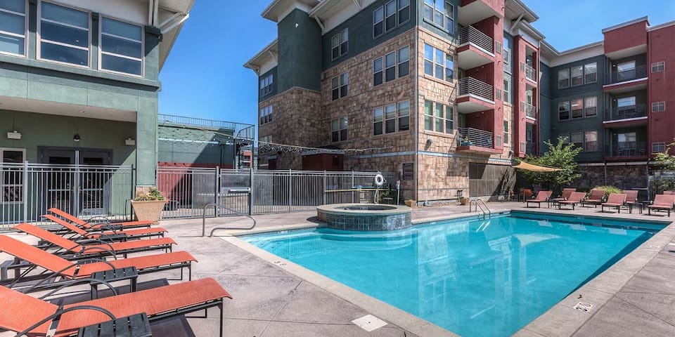 Broomfield's NEWEST LUXURY furnished apartments