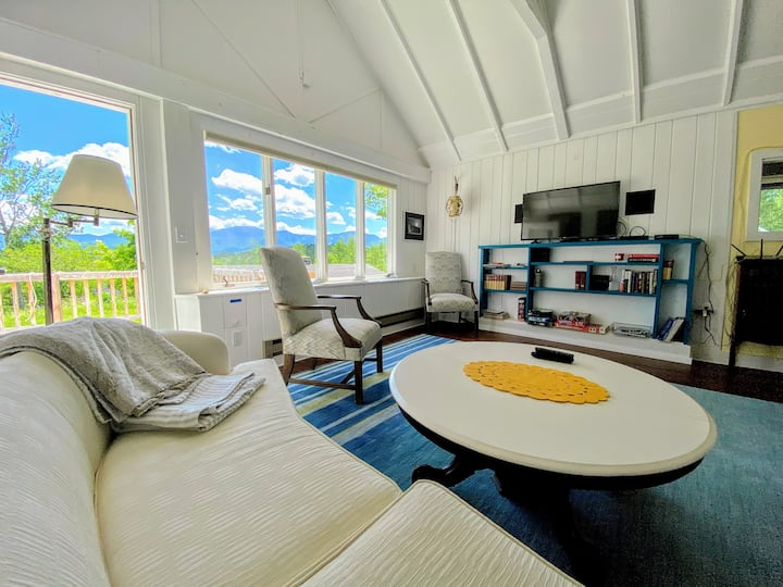 2L Let the views melt your stress away! Private home