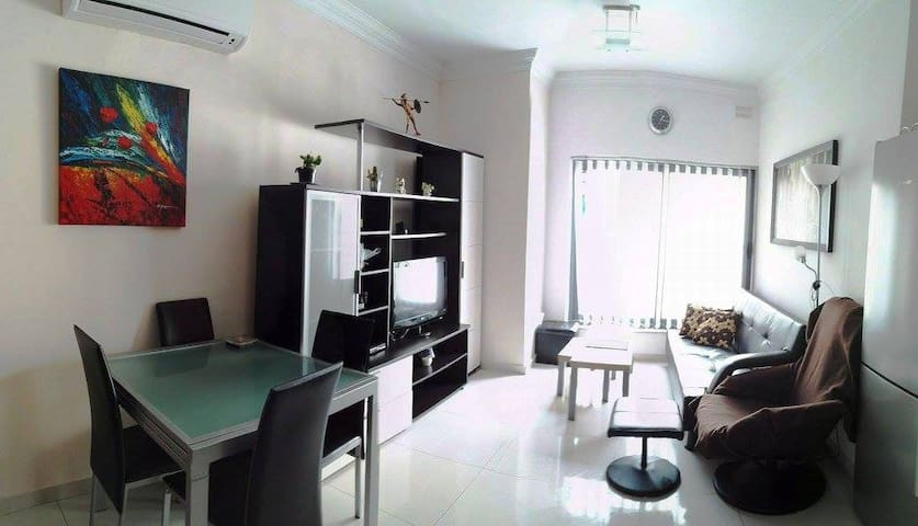 Cosy and spacious 2 bedroom apartment in Gzira - Il-Gżira - Huoneisto