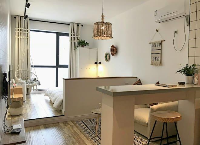 """""""独特公寓""""+钟楼+回民街+波西米亚风情房"""